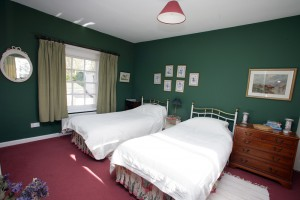 self-catering-fermanagh-bedroom-05