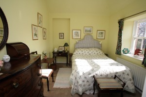 self-catering-fermanagh-bedroom-06